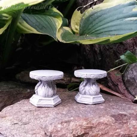 Kamenné stoličky (2ks)