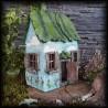 Modrý domeček se zelenou střecchou